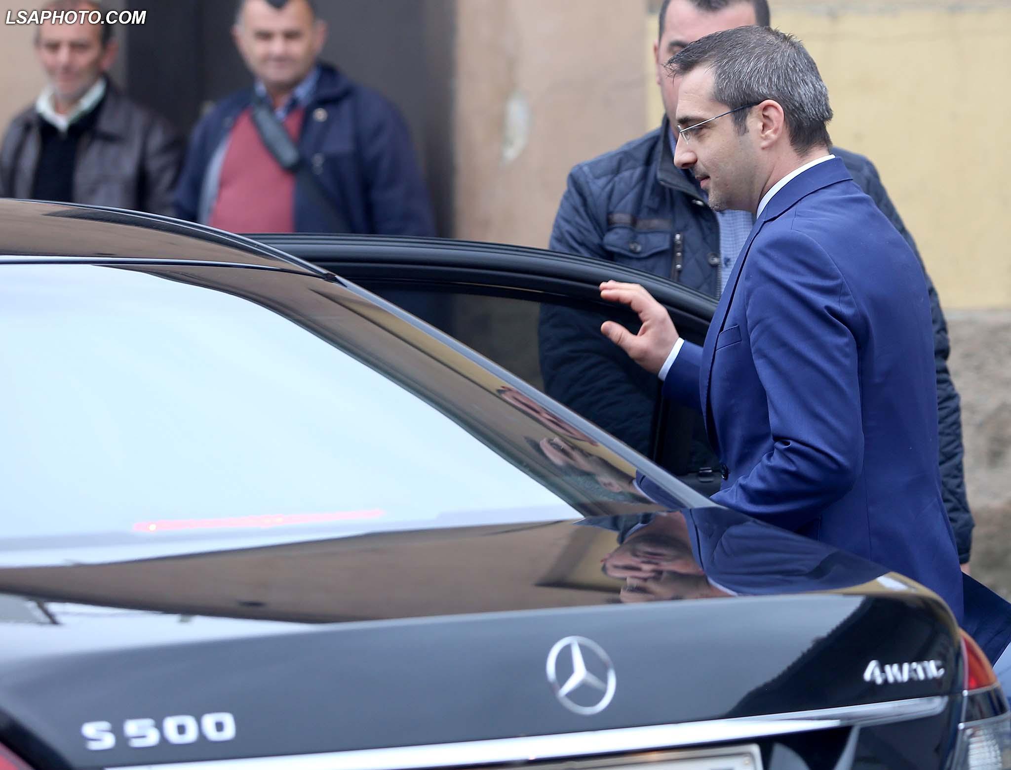 prokuroria-kerkon-arrestimin-e-tahirit-pas-dy-dokumenteve-sekrete-qe-mori-nga-italia
