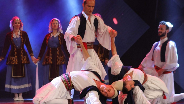 folklori-shqiptar-prezantohet-ne-zemer-te-brukselit