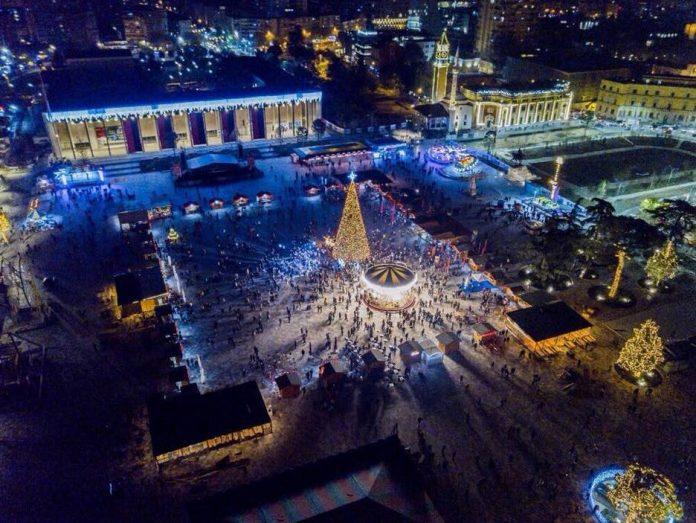 Magjia e festave  në fundjavë hapet  Fshati festiv  i Tiranës