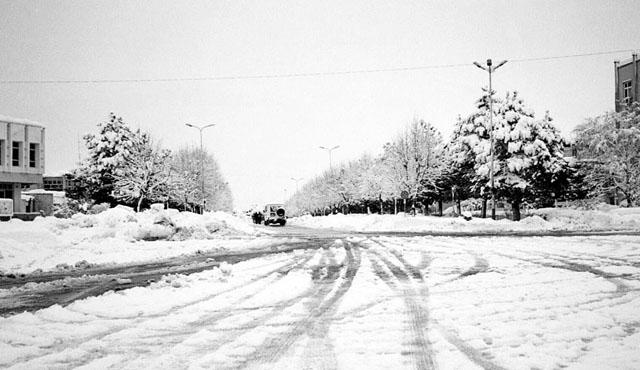 Rikthehen reshjet e borës dhe të shiut  ja si parashikohet moti për sot