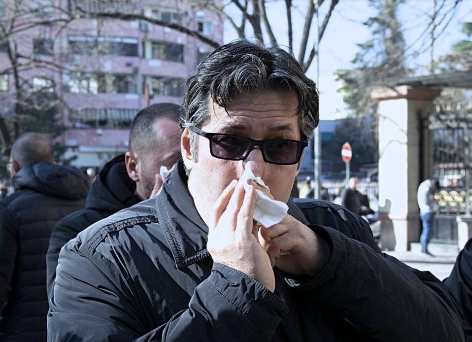Paloka mërzitet nga vlerësimet për Ramën  Mos bëj si  lider botëror  po jepu llogari shqiptarëve