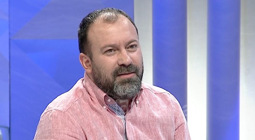 """""""Saliu mashtron si gjithmonë"""", Mazniku hedh në gjyq Berishën për shpifje: Nuk marr asnjë pagë e nuk jam në ato borde!"""
