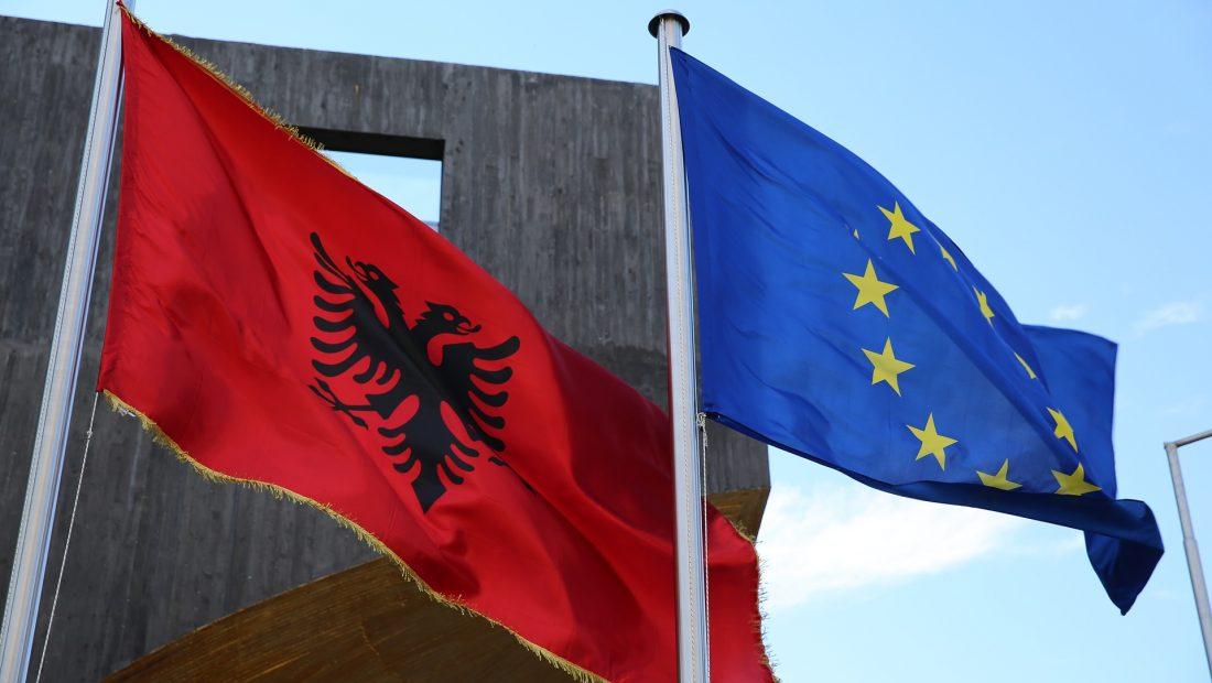 Zbardhet raporti i KE së për Shqipërinë  Keni bërë progres  fokusi tek lufta ndaj krimit të organizuar dhe kërkesat për azil