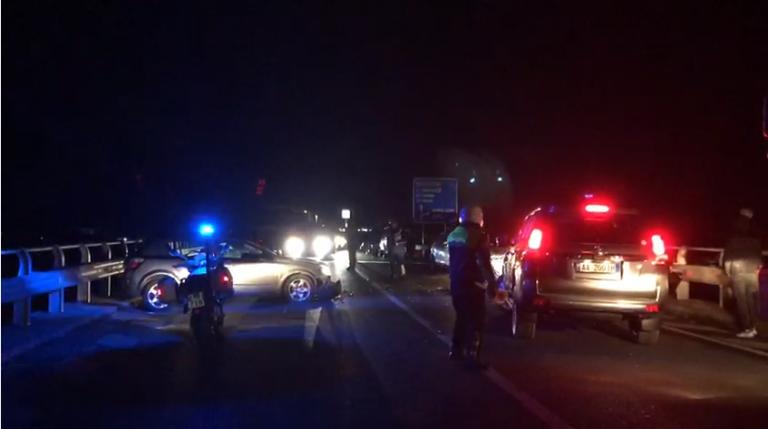 """Përgjaket """"Rruga e Kombit"""", shuhen në aksident 4 anëtarët e familjes nga Kosova"""