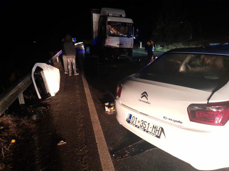Identifikohen 4 viktimat e aksidentit / Çifti nga Kosova ishte kthyer nga Zvicra, një 3-vjeçare në gjendje të rëndë