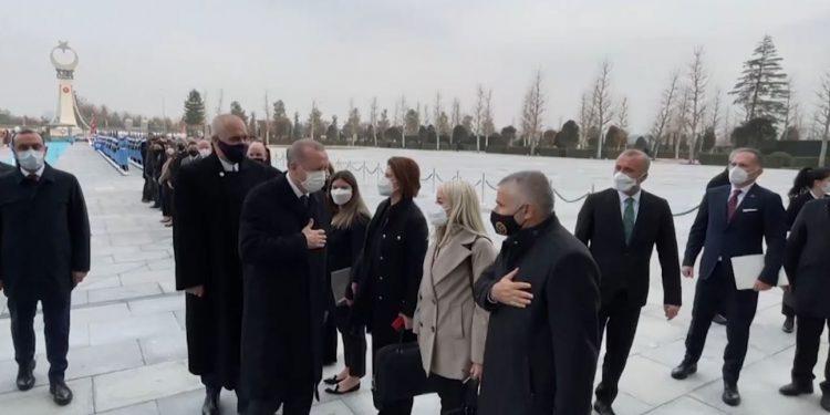 Ministra dhe drejtorë, ja kush e shoqëron Ramën në Turqi