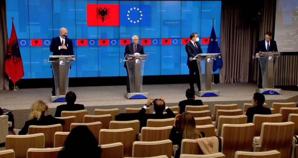 """""""Shqipëria dhe rajoni u lanë mënjanë për vaksinat""""/ Rama: I kemi bërë detyrat për integrimin"""
