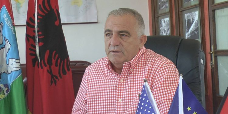 Kryebashkiaku i Pukës: Vaksinim i detyruar për administratën ose tampon